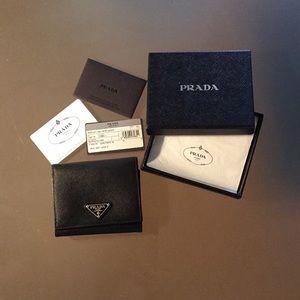 Authentic Prada black saffiano wallet - like new